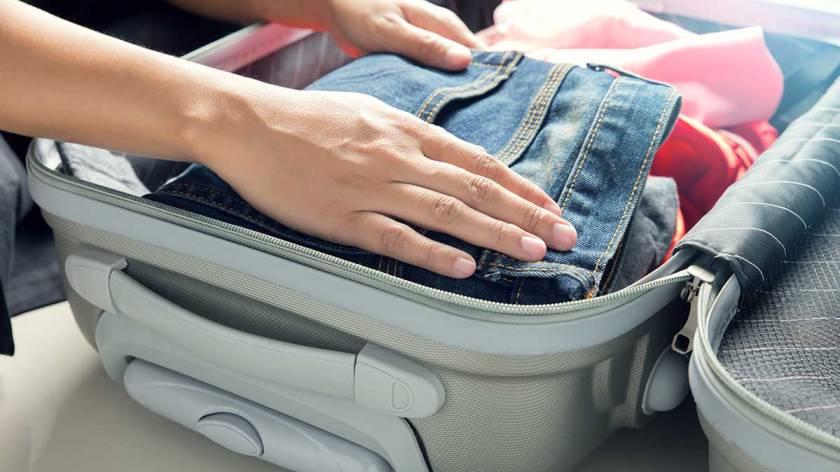 CR-Money-Inlinehero-packing-suitcase-0518.jpeg